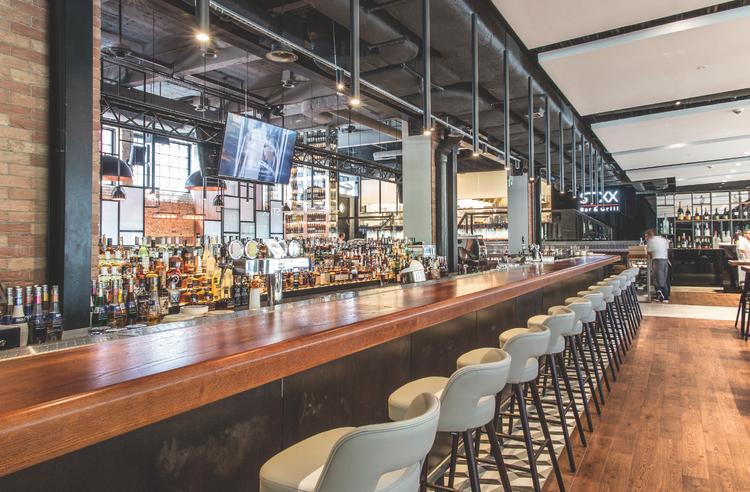 Restauracja Stixx Bar & Grill, bar