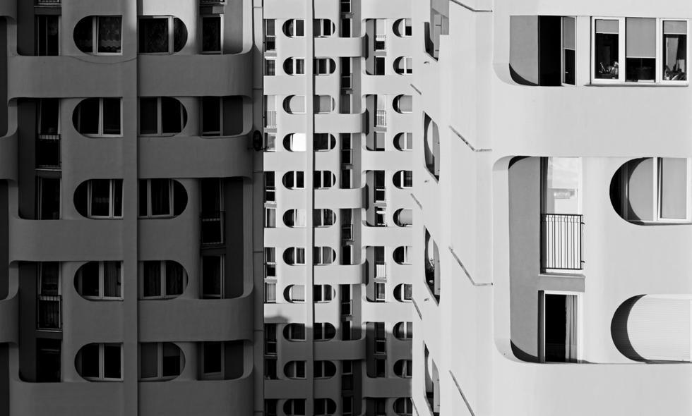 Zabudowa placu Grunwaldzkiego; detal - balkony