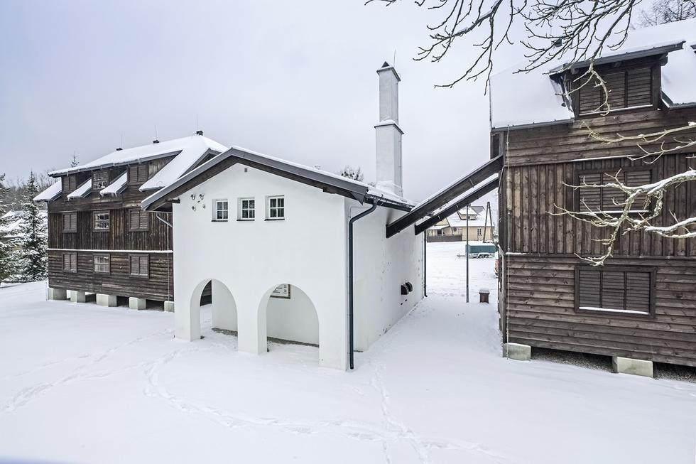 Stara Wyłuszczarnia w Czarnej Białostockiej. Bryła