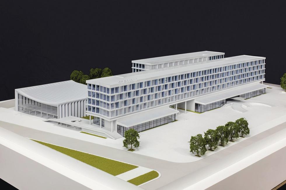 Ostatni wariant przebudowy Cracovii na zespół biurowo-usługowy projektu DDJM