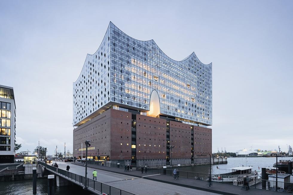 Filharmonia w Hamburgu. Widok od strony północno-wschodniej. Fot. © Iwan Baan