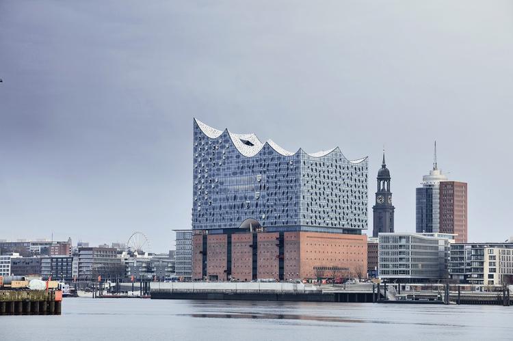Filharmonia w Hamburgu. Widok od strony południowo-wschodniej