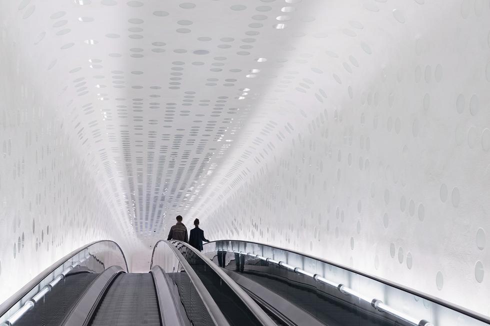 Filharmonia w Hamburgu. Tunel z ruchomym chodnikiem