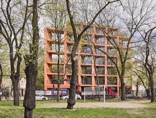 Budynek mieszkalny na warszawskiej Pradze
