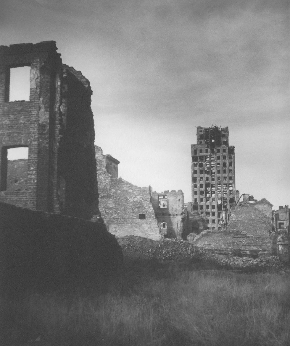 Stulecie warszawskich ruin