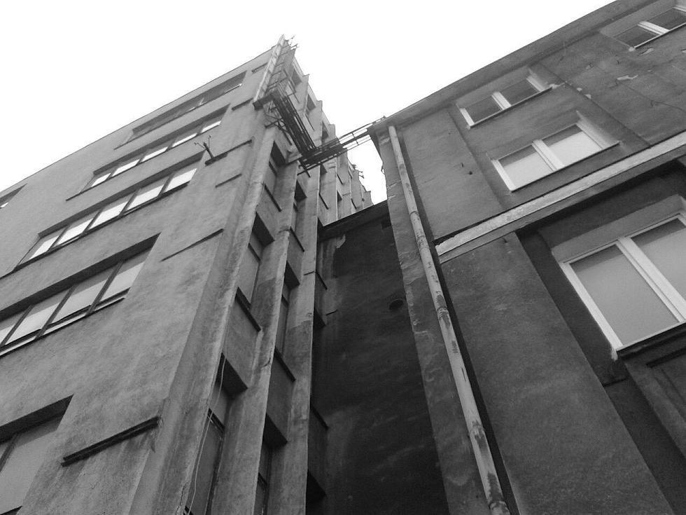 InnovaConcrete - zabytek z betonu
