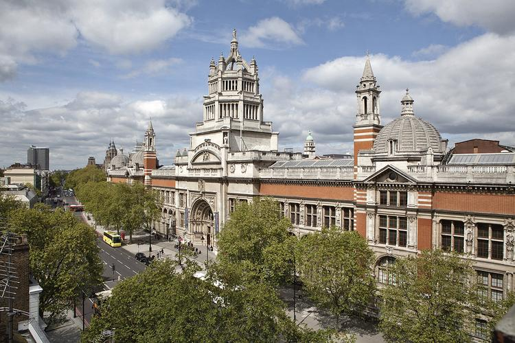 Dziedziniec Muzeum Wiktorii i Alberta w Londynie