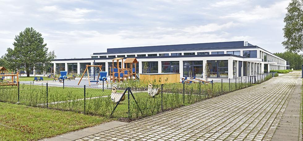 Zespół szkolno-przedszkolny na Stabłowicach we Wrocławiu