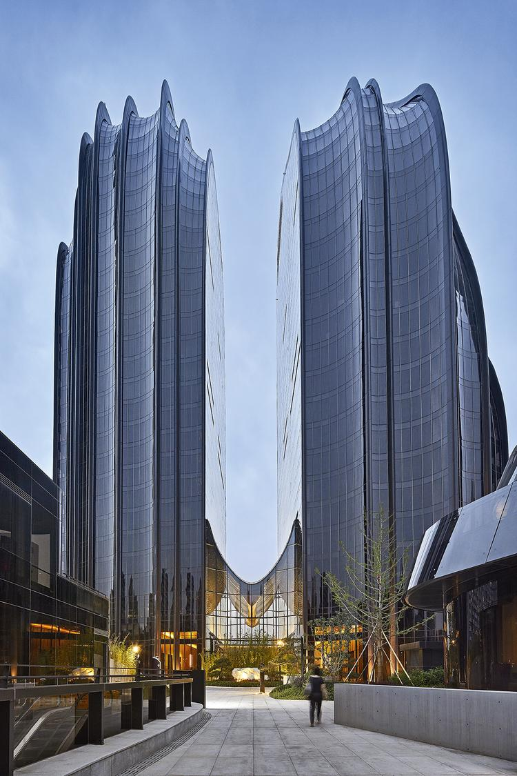 MAD_Chaoyang Park Plaza_by Hufton+Crow_16