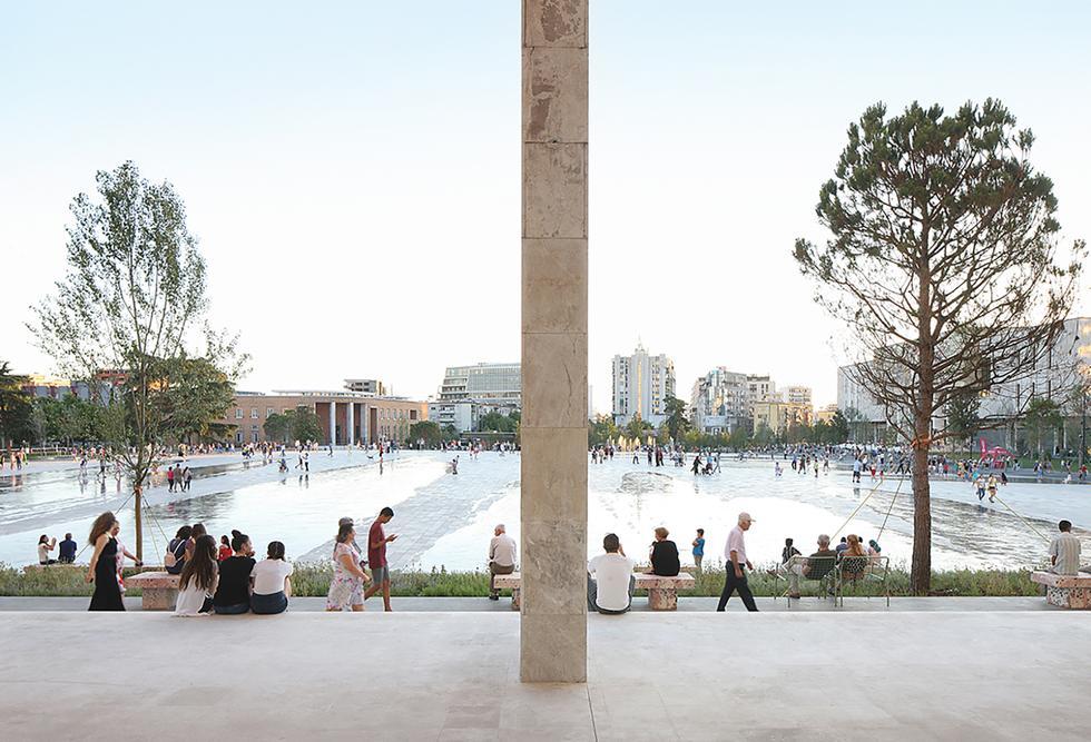 European Prize for Urban Public Space dla głównego placu Tirany