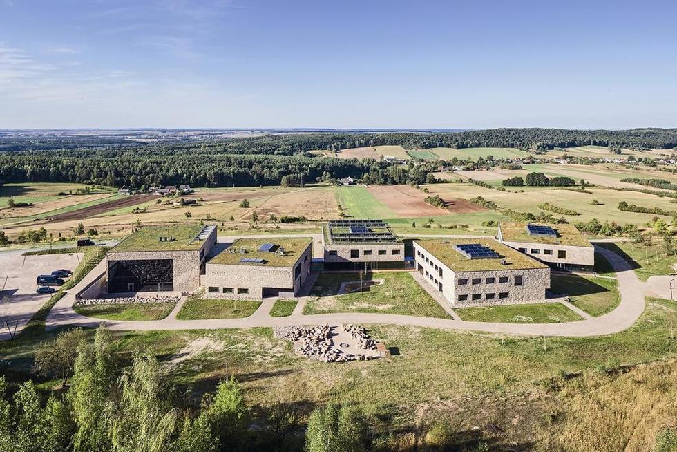Jak przeprowadzić modelowy konkurs architektoniczny: konferencja w Chęcinach