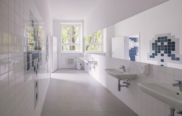 Akcja reanimacja – modelowa łazienka szkolna