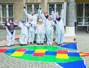 Akcja reanimacja – modelowa łazienka szkolna na warszawskiej Woli