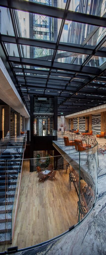 Hotel Warszawa: co kryją wnętrza dawnego Prudentialu [GALERIA]