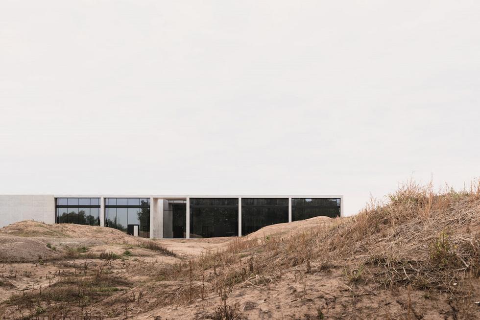 1_Crematorium-Siesegem_KAAN-Architecten-cSimone-Bossi (Copy)