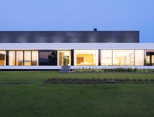 Nemo house – dom nad jeziorem projektu Mobius Architekci