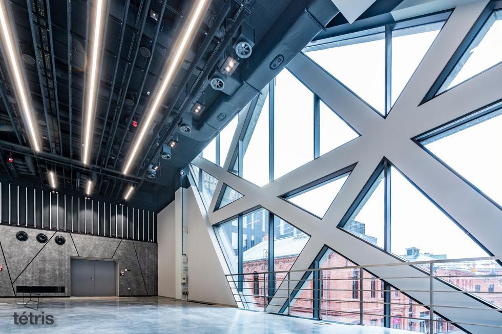 Centrum Praskie Koneser – co kryją wnętrza warszawskiego Konesera?