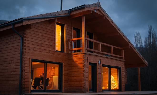Impregnacja ogniochronna a odporność ogniowa konstrukcji drewnianych