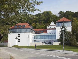 Regionalizm krytyczny – o szkole w Kazimierzu Dolnym Ewa Kuryłowicz