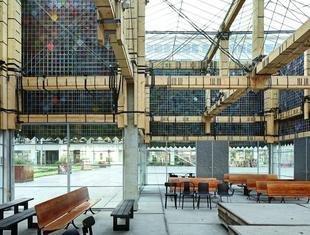 Architektura materiałów wypożyczonych – rozmowa z holenderskim architektem Peterem van Assche