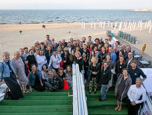 Starzy na plaży. Spotkanie architektów w Sopocie