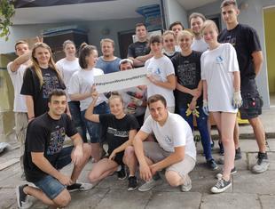 Workcamp w Łodzi: studentki i studenci remontują dla dzieci