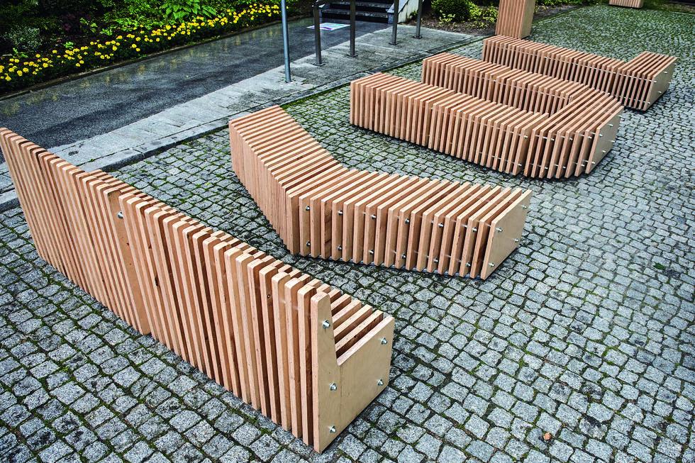 Lublin chce chronić trawniki – konkurs na projekt małej architektury zabezpieczającej przyuliczne skwery przed samochodami