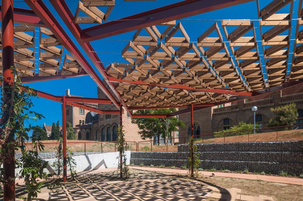 Centrum onkologiczne w Barcelonie projektu Benedetty Tabgliabue