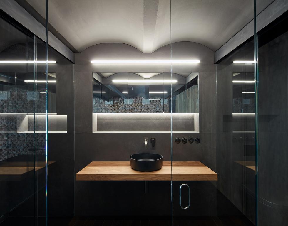 Loft with Love – apartament w dawnym browarze od CMC architects