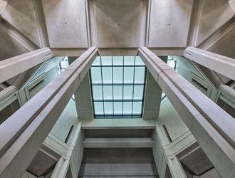Beton architektoniczny: jak uzyskać zamierzony efekt. Tłumaczy Piotr Dzięgielewski, ekspert PERI Polska