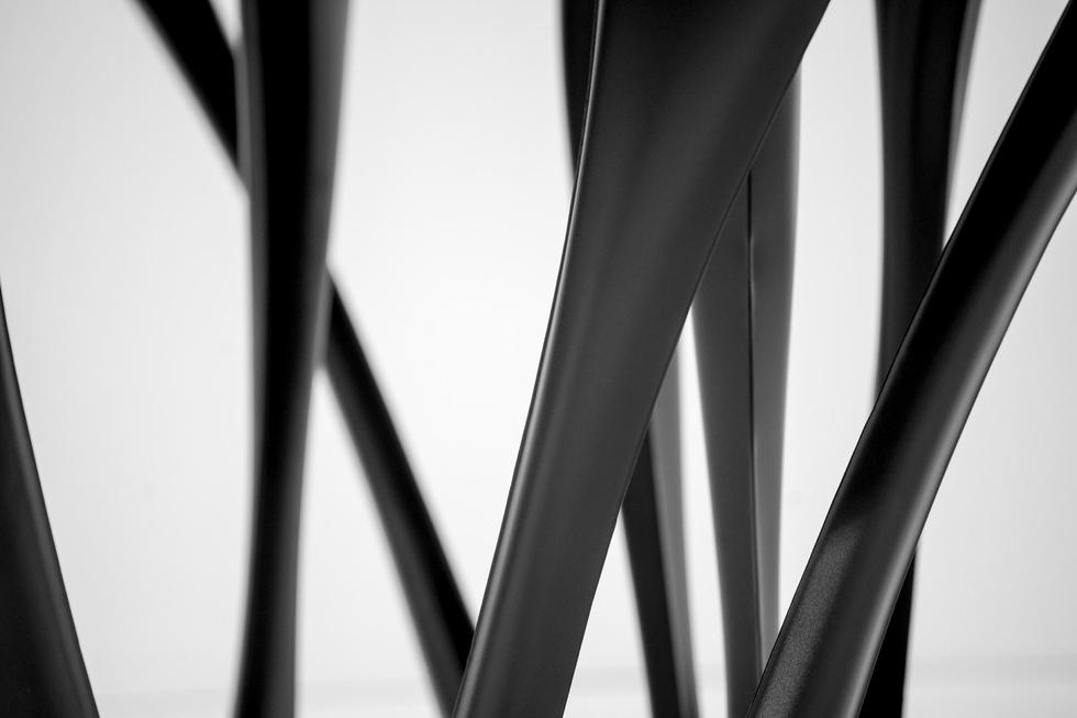 G-Table – obiekty artystyczne Oskara Zięty