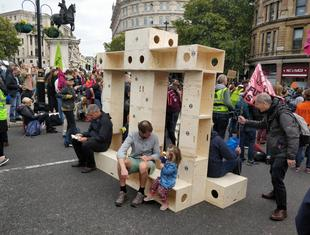 Architektura protestu Extinction Rebellion