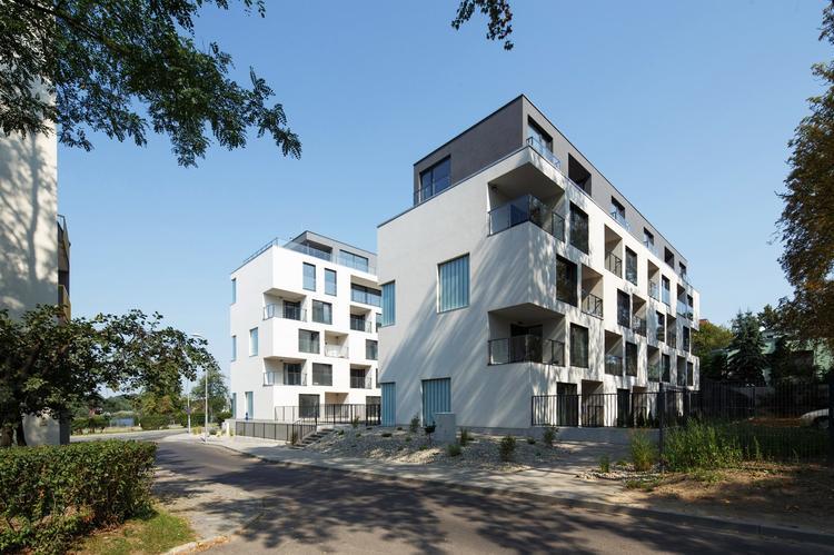 Zlota_ Zalewski Architecture Group 10 (Copy)
