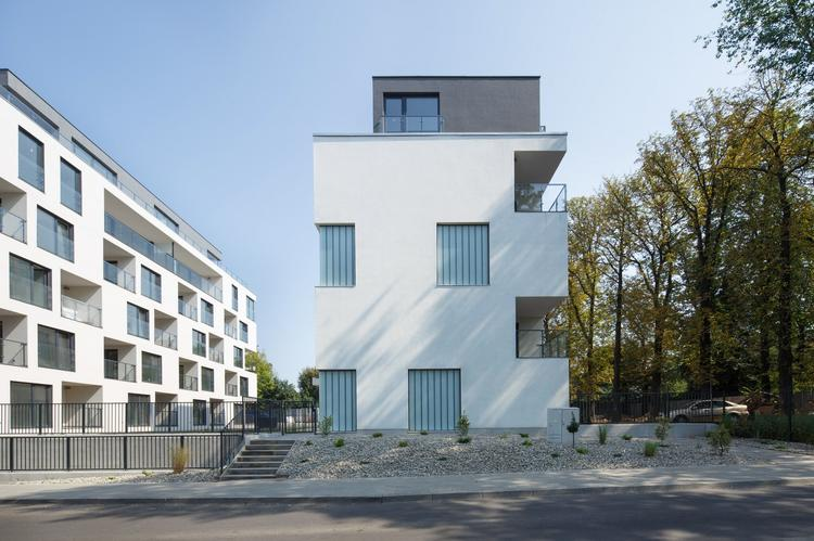 Zlota_ Zalewski Architecture Group 12 (Copy)