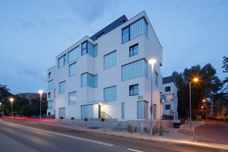 Zlota_ Zalewski Architecture Group 16 (Copy)