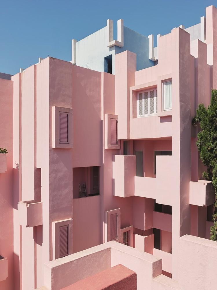 Muralla_Roja_Calpe_Spain_Ricardo_Bofill_Taller_Arquitectura_009 (Copy) (Copy)