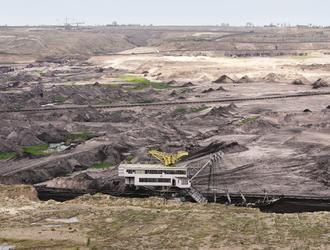 Ekopoetyka w czasach katastrofy: rozmowa z Filipem Springerem