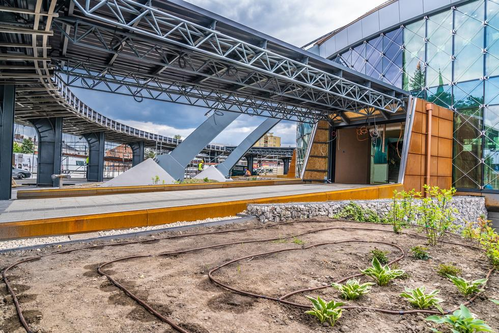 Dworzec autobusowy w Kielcach: fotospacer po zmodernizowanym obiekcie