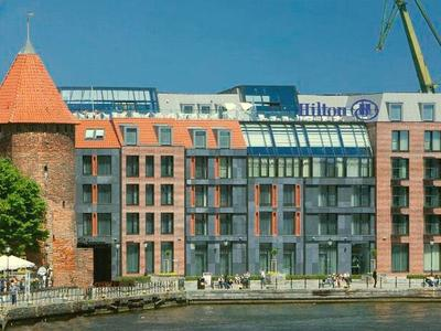 Hotel Hilton: projekt architektoniczny wyłoniony w międzynarodowym konkursie powstał w biurze architektonicznym prof. Stefana Kuryłowicza