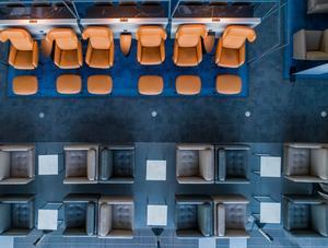 Lotnisko w Hamburgu – VIP Lounge stworzony przez BoConcept Business