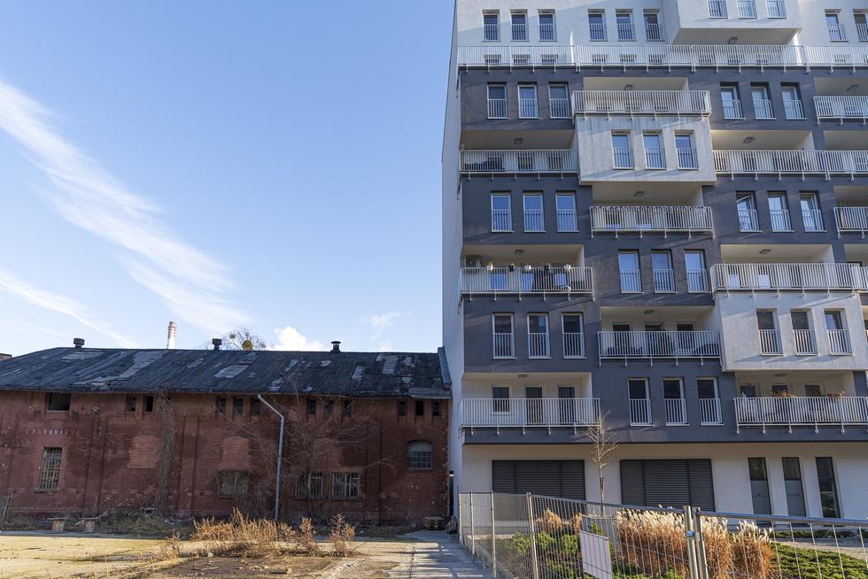 Kontrowersyjna realizacja na Kępie Mieszczańskiej we Wrocławiu
