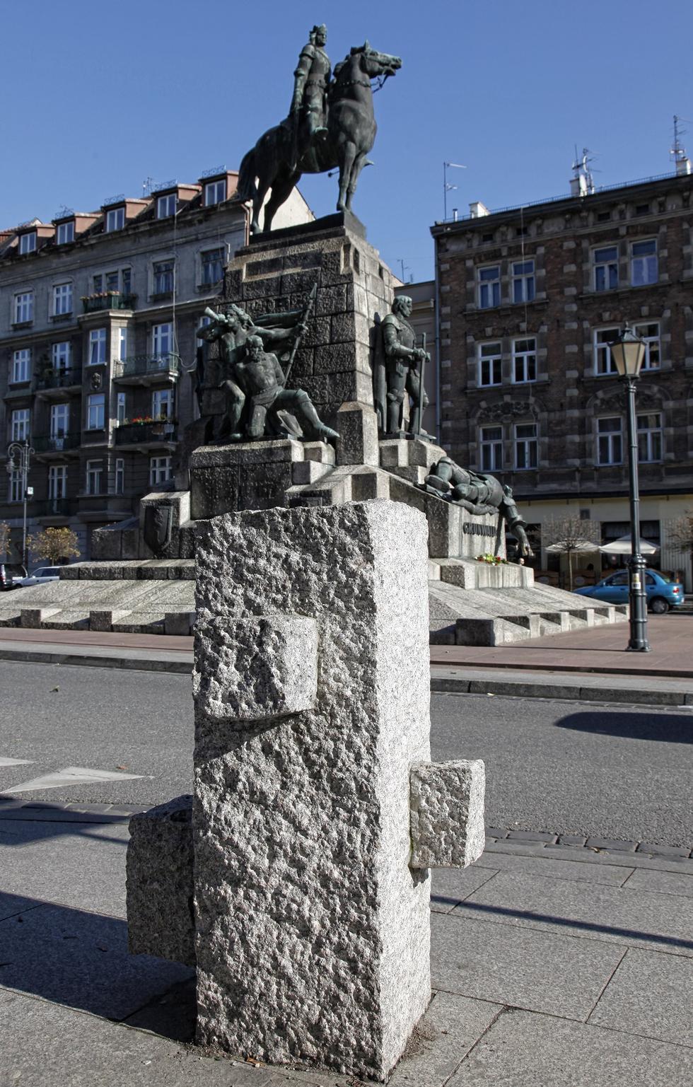 Plac Matejki w Krakowie: reprezentacyjna przestrzeń przyjazna mieszkańcom. Rozmowa z Piotrem Orzeszkiem