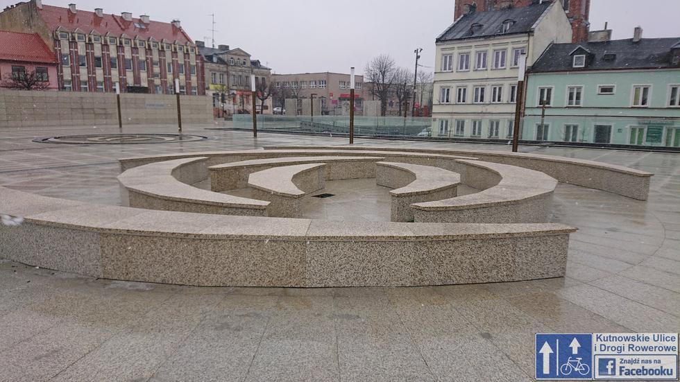 Garaż na placu: rewitalizacja plac Wolności w Kutnie