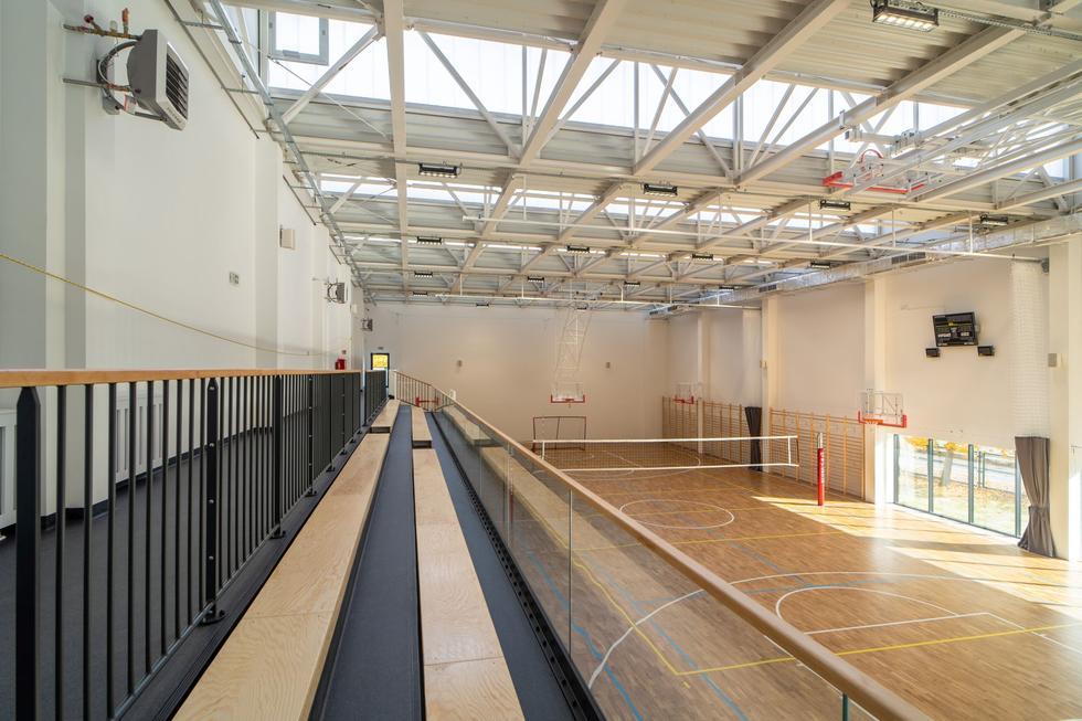 Hala sportowa przy szkole podstawowej nr 3 w Stalowej Woli