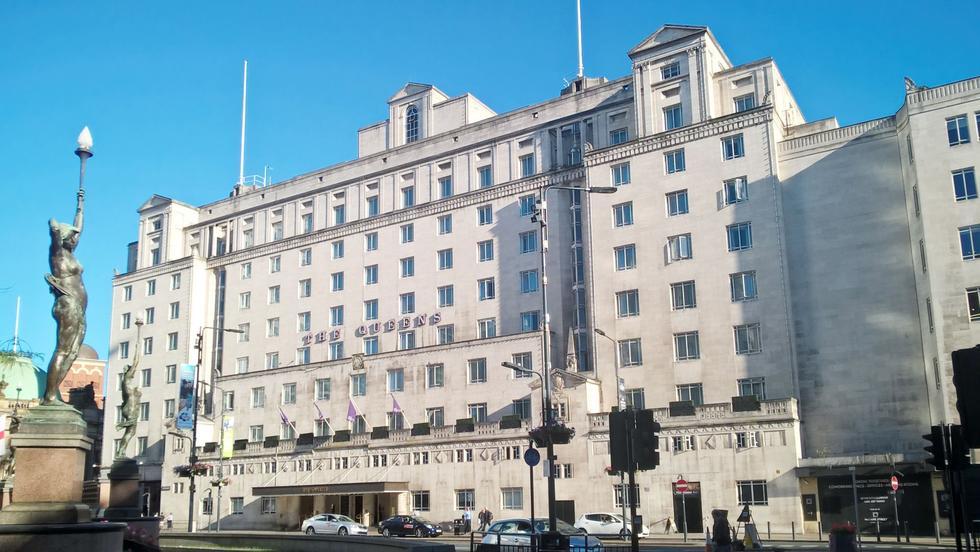 Polacy projektują modernizację legendarnego The Queens Hotel w Leeds