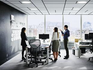 """Akustyka biura – jak sprawić, by spełniała oczekiwania pracowników? Webinar """"Architektury-murator"""""""