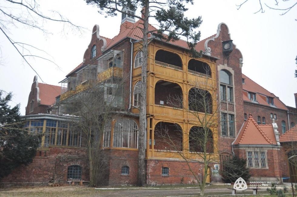 Architektura w Polsce: wakacyjny przewodnik po architekturze