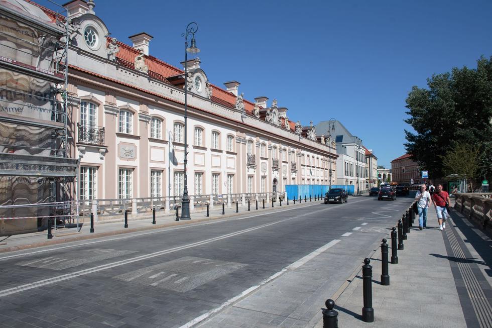 Pałac Branickich w Warszawie: hołd dla budowniczych powojennego miasta