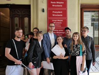 Blisko 300 architektów i osobowości świata kultury przeciw wyburzeniu Solpolu
