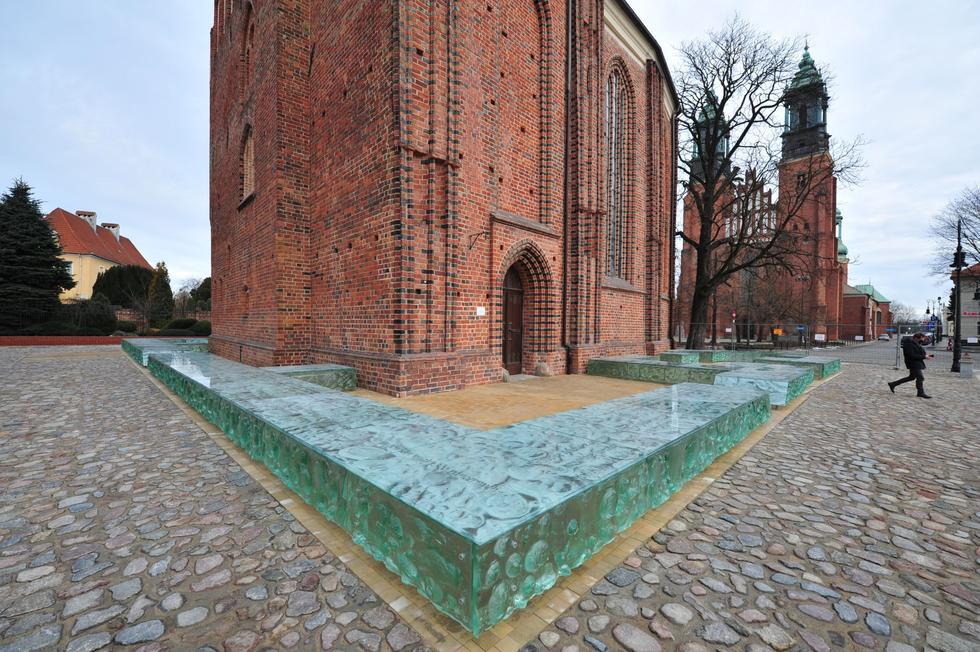 Ekspozycja reliktów palatium Mieszka I na Ostrowie Tumskim w Poznaniu